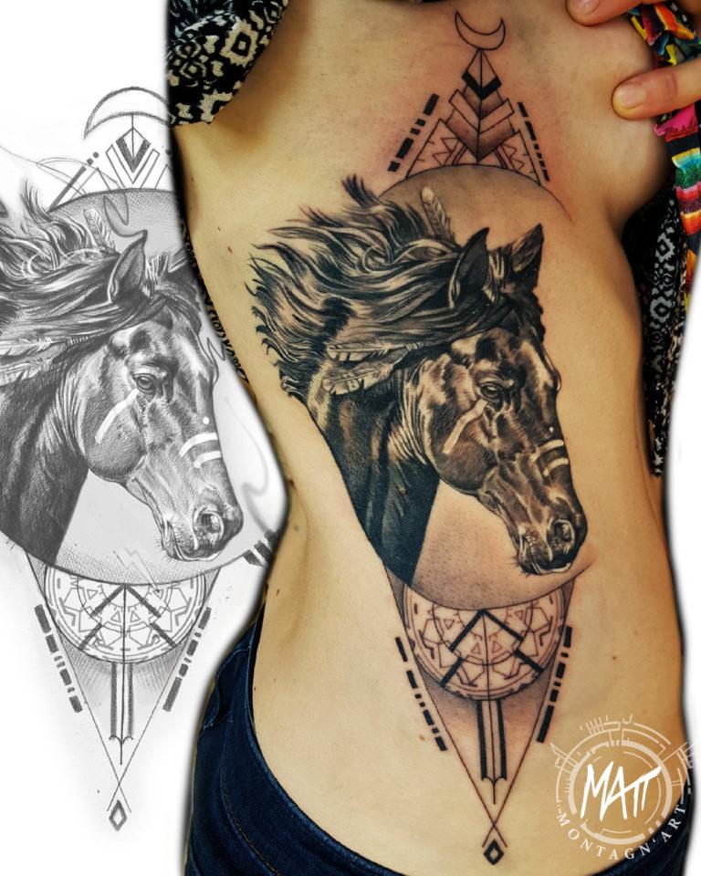 tatouage cheval noir et gris