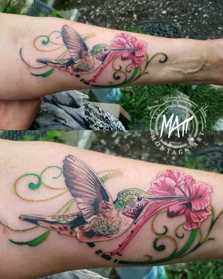 tatouage colibri fleur couleurs
